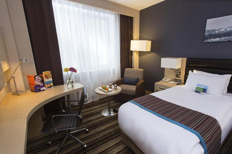 Вместительный стандарт двухместный с большой кроватью в гостинице Park Inn By Radisson Izmailovo Moscow